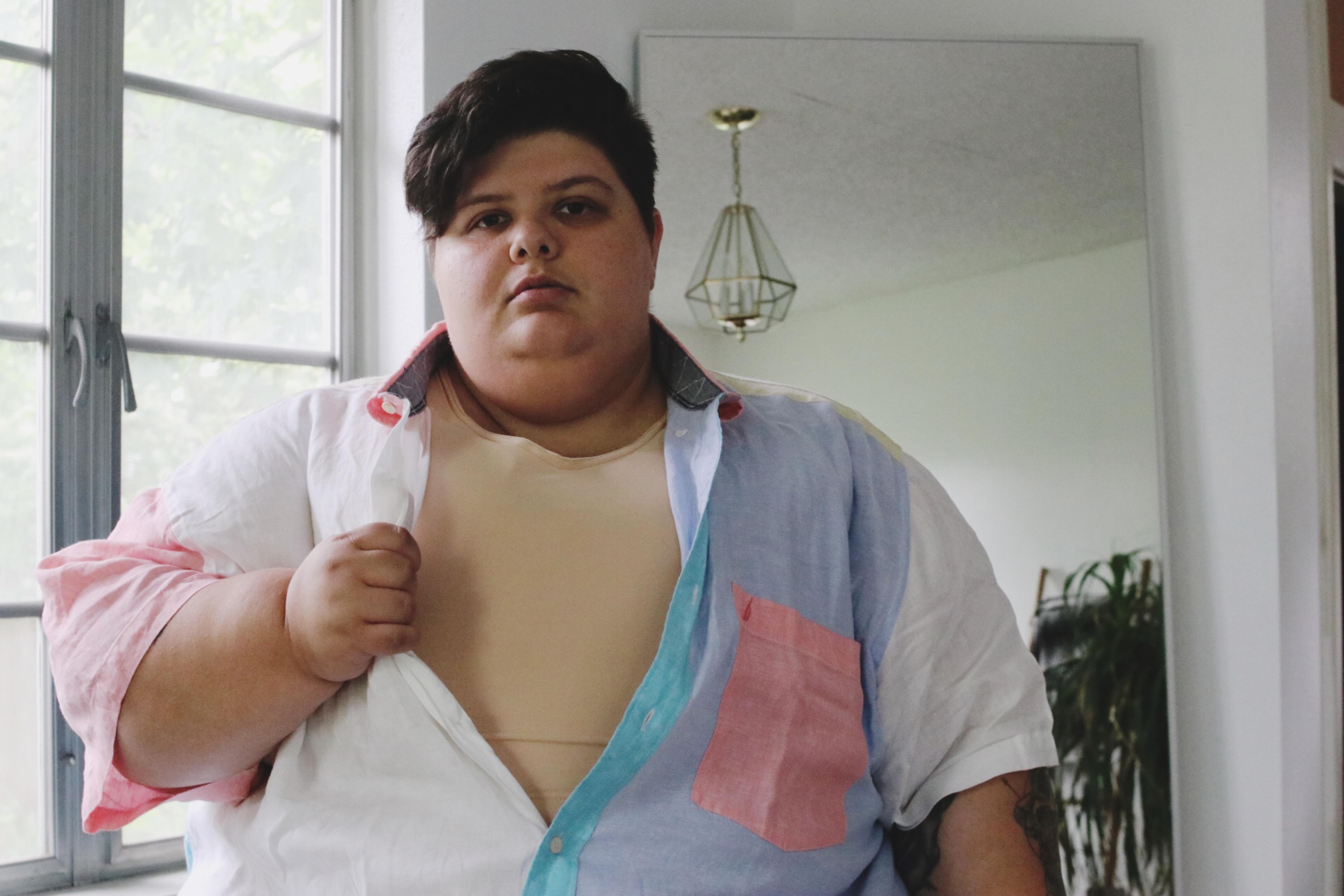 cock Busty deepthroating huge chubby girl